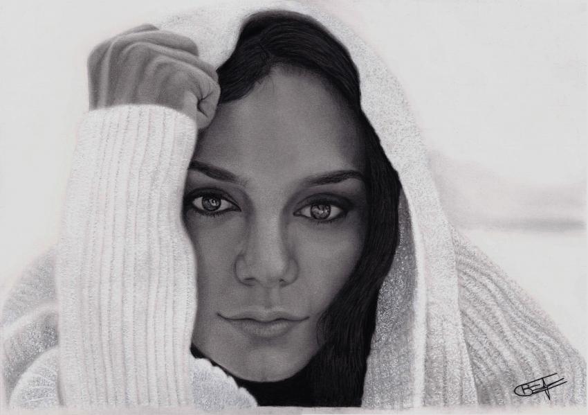 Vanessa Hudgens por Kaiser